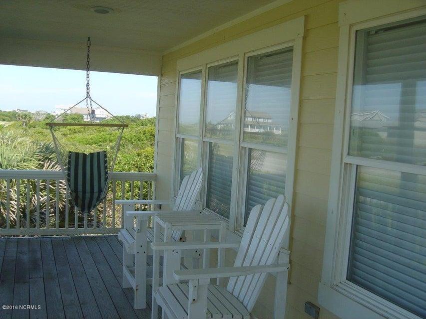 BHI (Bald Head Island) Real Estate - http://cdn.resize.sparkplatform.com/ncr/1024x768/true/20170504114429361377000000-o.jpg