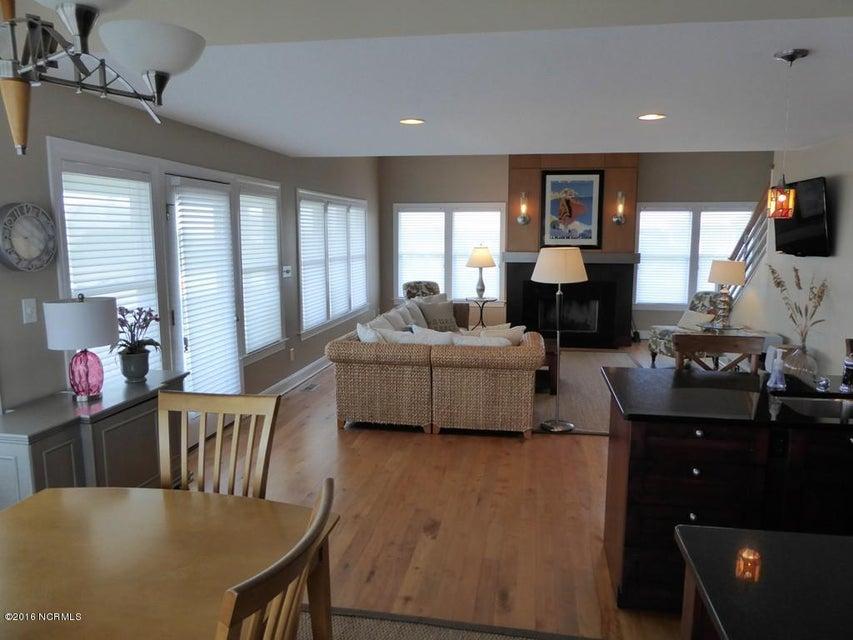 BHI (Bald Head Island) Real Estate - http://cdn.resize.sparkplatform.com/ncr/1024x768/true/20170504114429558198000000-o.jpg