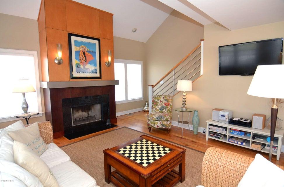 BHI (Bald Head Island) Real Estate - http://cdn.resize.sparkplatform.com/ncr/1024x768/true/20170504114431009761000000-o.jpg