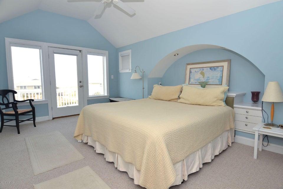 BHI (Bald Head Island) Real Estate - http://cdn.resize.sparkplatform.com/ncr/1024x768/true/20170504114432028532000000-o.jpg