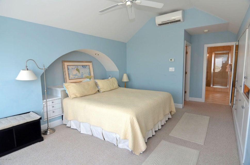 BHI (Bald Head Island) Real Estate - http://cdn.resize.sparkplatform.com/ncr/1024x768/true/20170504114432226282000000-o.jpg