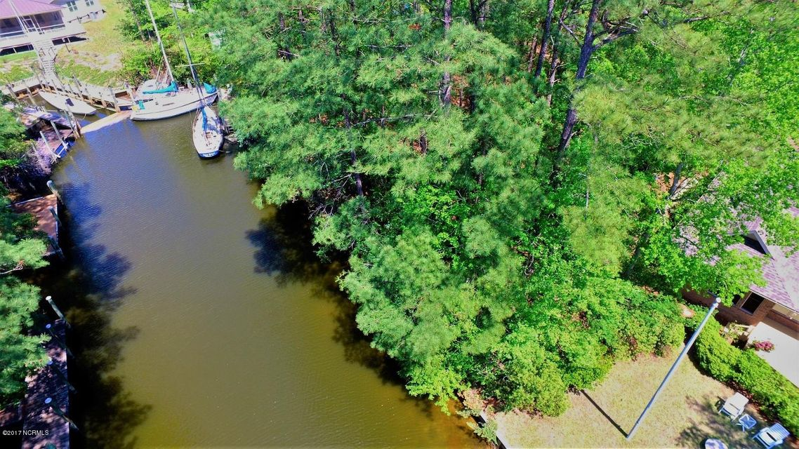 Property for sale at 202 Whittaker Point Road, Oriental,  NC 28571