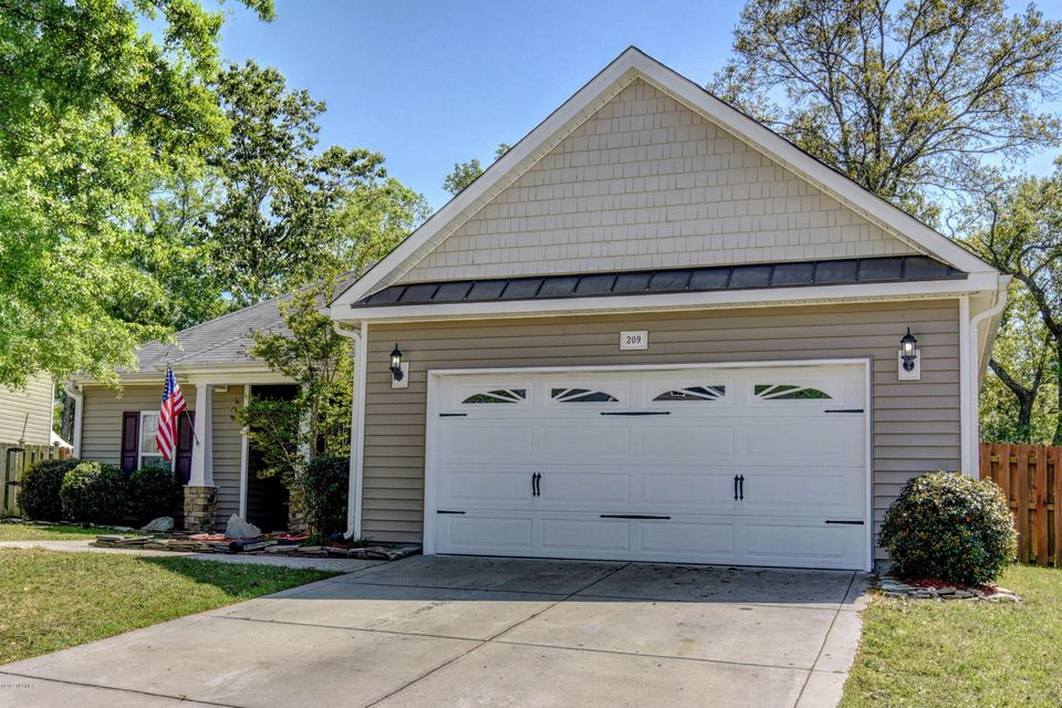 209 Peggys Trace, Sneads Ferry, NC 28460