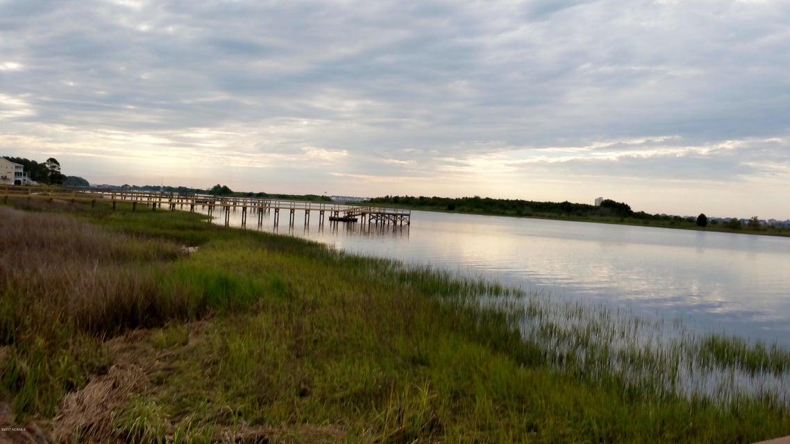 Waterway Landing SB Real Estate - http://cdn.resize.sparkplatform.com/ncr/1024x768/true/20170509151749696649000000-o.jpg