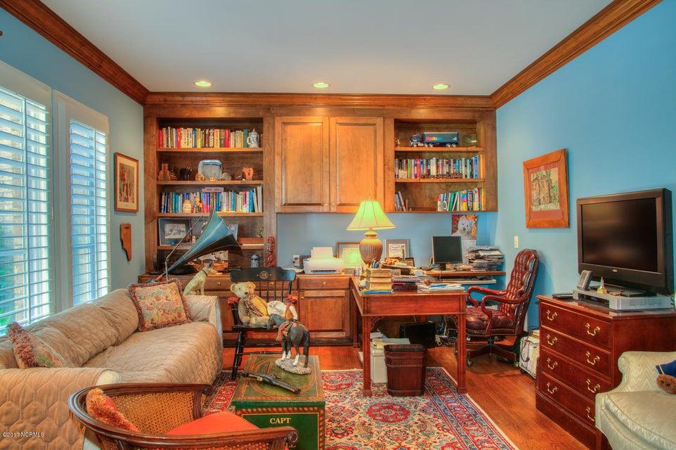 Lockwood Folly Real Estate - http://cdn.resize.sparkplatform.com/ncr/1024x768/true/20170512200207092828000000-o.jpg