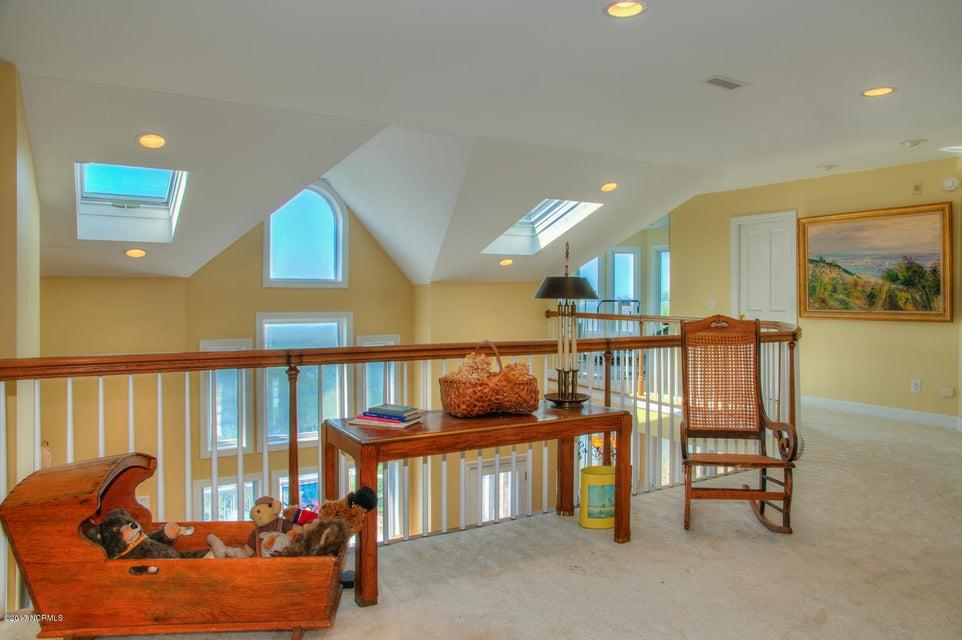 Lockwood Folly Real Estate - http://cdn.resize.sparkplatform.com/ncr/1024x768/true/20170512200234217671000000-o.jpg