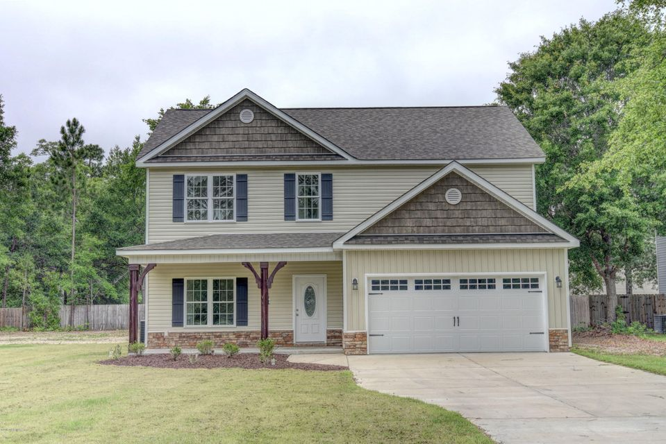 1640 Chadwick Shores Drive, Sneads Ferry, NC 28460