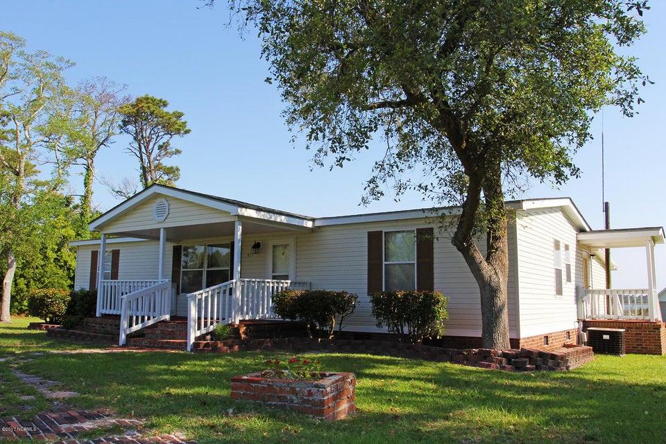 671 Bayview Drive, Harkers Island, NC 28531
