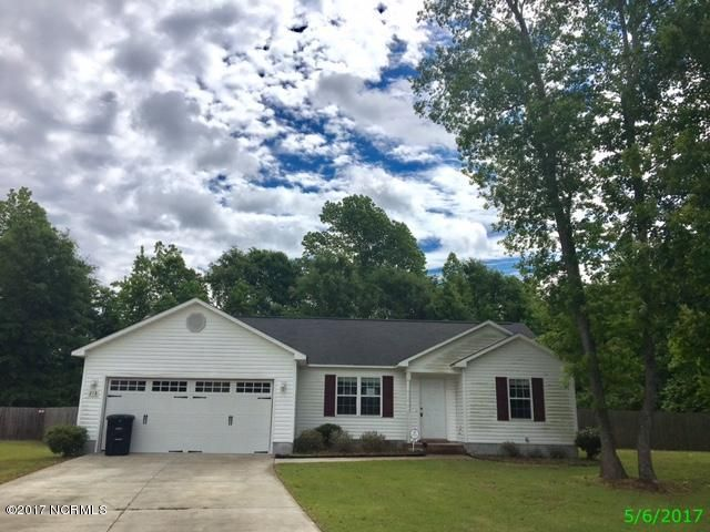 218 Molly Court, Sneads Ferry, NC 28460