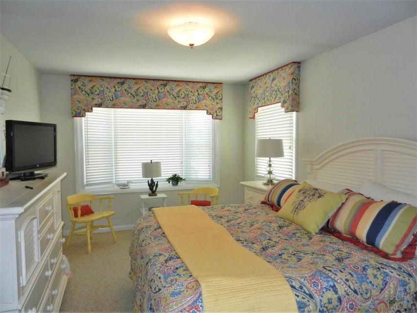 Ocean Isle Beach Island Real Estate - http://cdn.resize.sparkplatform.com/ncr/1024x768/true/20170519192546643144000000-o.jpg