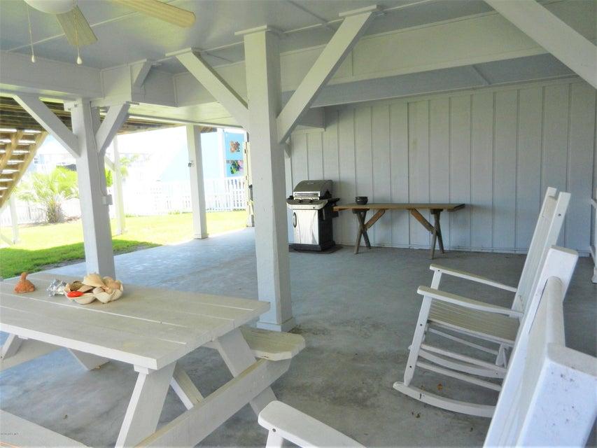 Ocean Isle Beach Island Real Estate - http://cdn.resize.sparkplatform.com/ncr/1024x768/true/20170519192639023598000000-o.jpg