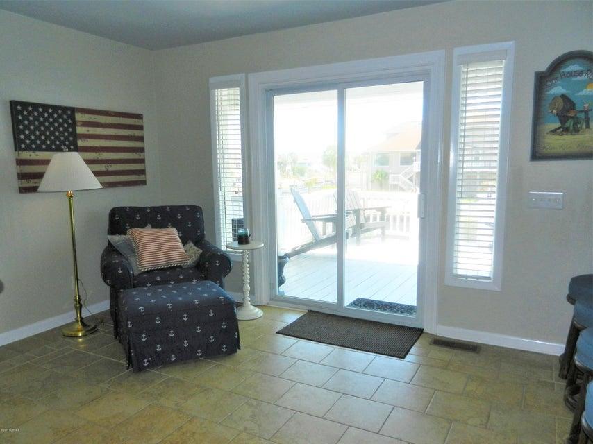 Ocean Isle Beach Island Real Estate - http://cdn.resize.sparkplatform.com/ncr/1024x768/true/20170519192657920026000000-o.jpg