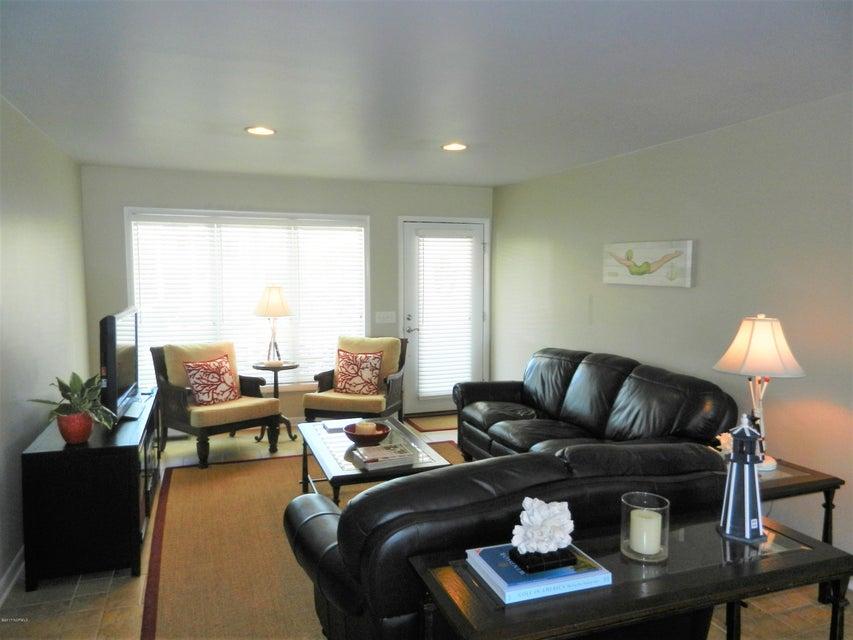 Ocean Isle Beach Island Real Estate - http://cdn.resize.sparkplatform.com/ncr/1024x768/true/20170519192712137044000000-o.jpg