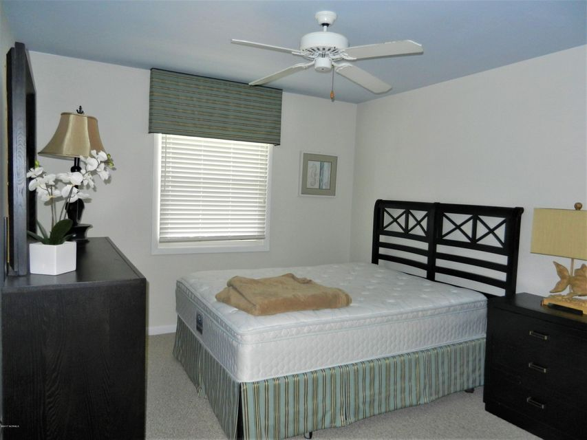 Ocean Isle Beach Island Real Estate - http://cdn.resize.sparkplatform.com/ncr/1024x768/true/20170519192731085226000000-o.jpg
