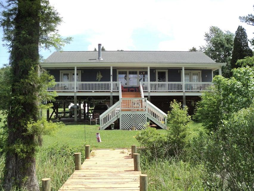 54 Redbug Point Drive, Blounts Creek, NC 27814