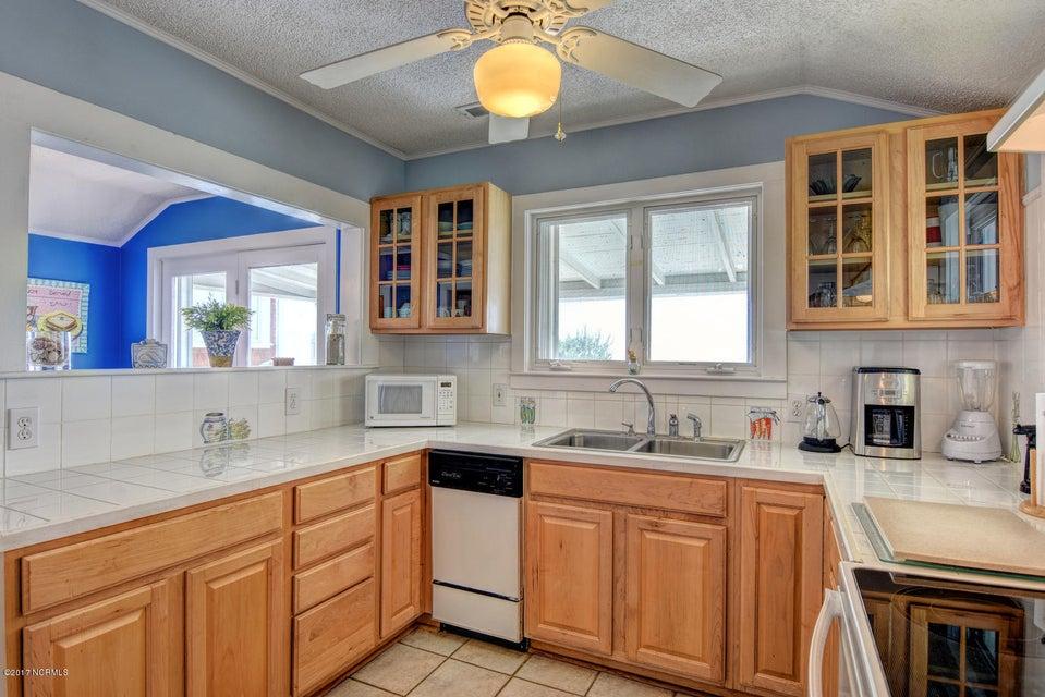 Hanby Beach Real Estate - http://cdn.resize.sparkplatform.com/ncr/1024x768/true/20170523210835161332000000-o.jpg