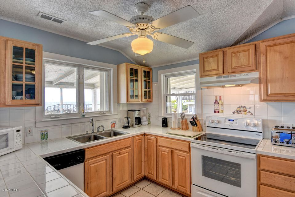 Hanby Beach Real Estate - http://cdn.resize.sparkplatform.com/ncr/1024x768/true/20170523210836676428000000-o.jpg