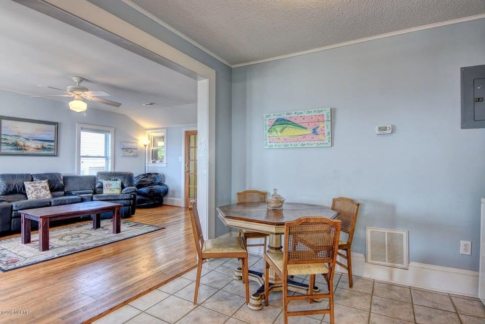 Hanby Beach Real Estate - http://cdn.resize.sparkplatform.com/ncr/1024x768/true/20170523210838217004000000-o.jpg