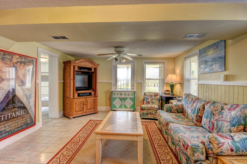 Hanby Beach Real Estate - http://cdn.resize.sparkplatform.com/ncr/1024x768/true/20170523210848964677000000-o.jpg