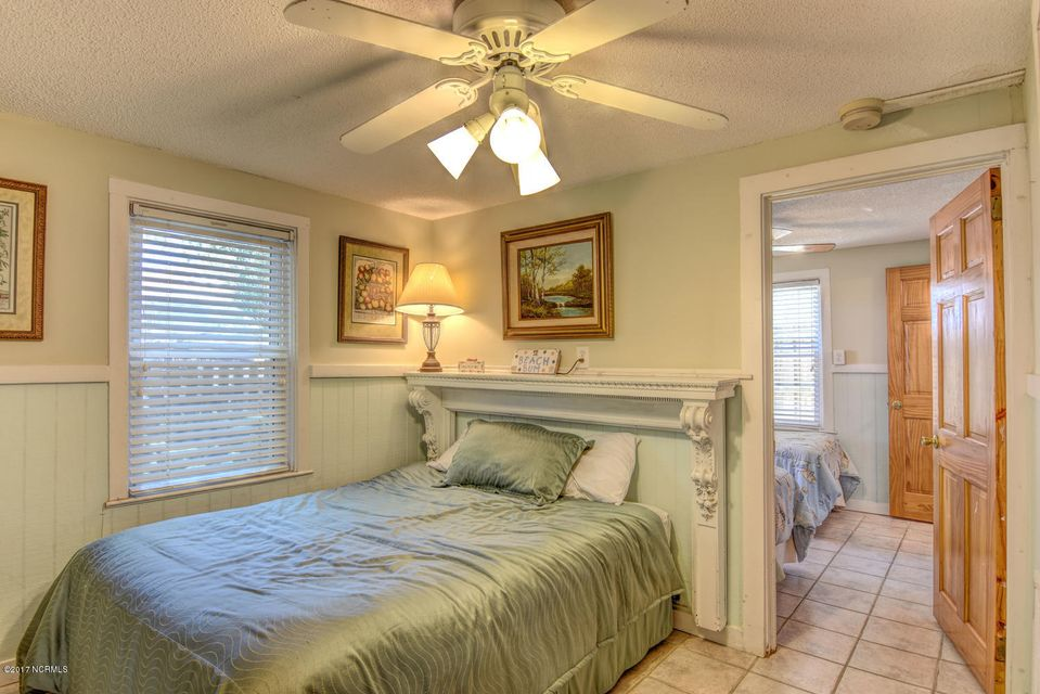 Hanby Beach Real Estate - http://cdn.resize.sparkplatform.com/ncr/1024x768/true/20170523210851917425000000-o.jpg