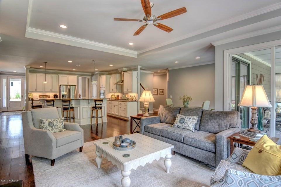 Brunswick Forest Real Estate - http://cdn.resize.sparkplatform.com/ncr/1024x768/true/20170524000839166759000000-o.jpg