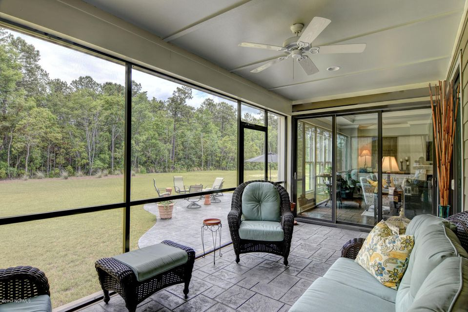 Brunswick Forest Real Estate - http://cdn.resize.sparkplatform.com/ncr/1024x768/true/20170524000850603791000000-o.jpg