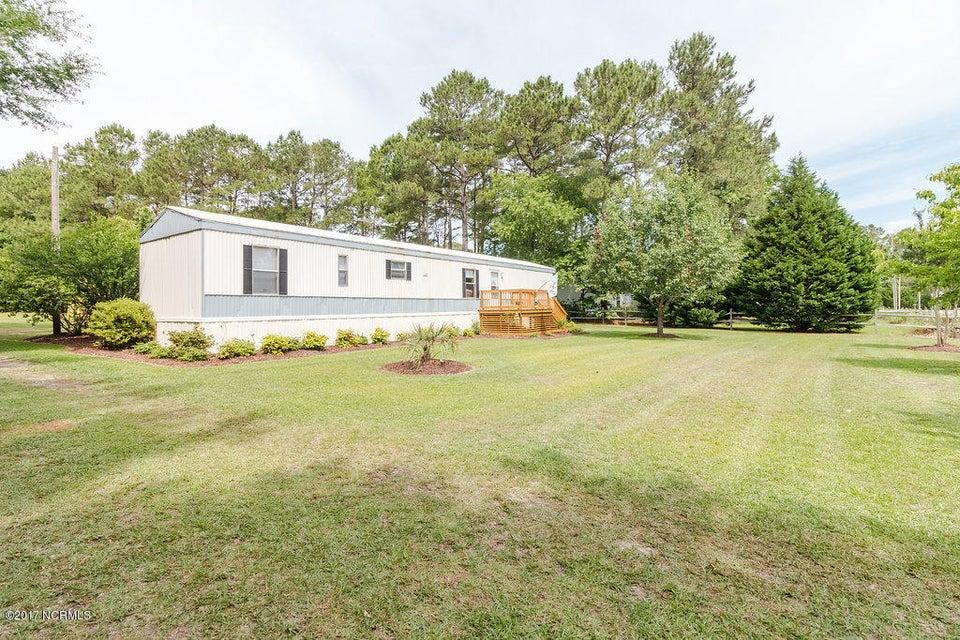 183 Tillett Lane, Sneads Ferry, NC 28460