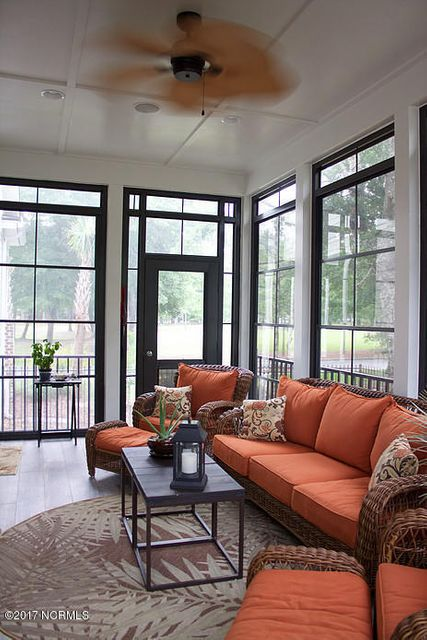 Devaun Park Real Estate - http://cdn.resize.sparkplatform.com/ncr/1024x768/true/20170526231323957263000000-o.jpg