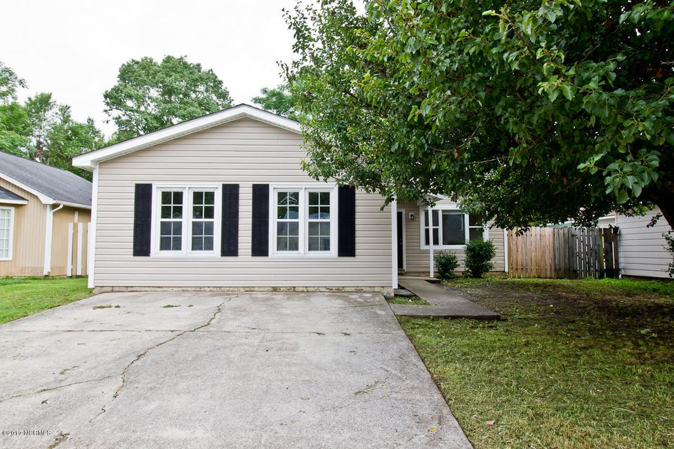 2039 Foxhorn Road, Jacksonville, NC 28546
