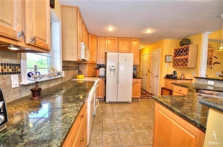 Turtle Creek Real Estate - http://cdn.resize.sparkplatform.com/ncr/1024x768/true/20170605021903090929000000-o.jpg