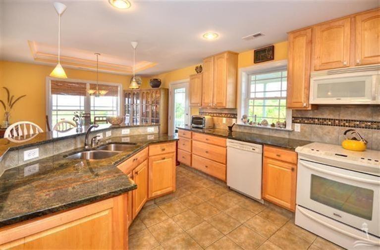 Turtle Creek Real Estate - http://cdn.resize.sparkplatform.com/ncr/1024x768/true/20170605021903309786000000-o.jpg