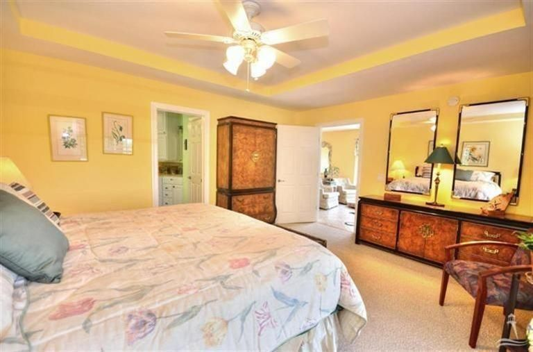 Turtle Creek Real Estate - http://cdn.resize.sparkplatform.com/ncr/1024x768/true/20170605021905339357000000-o.jpg