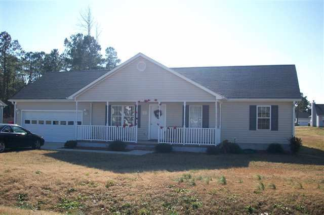 202 Molly Court, Sneads Ferry, NC 28460