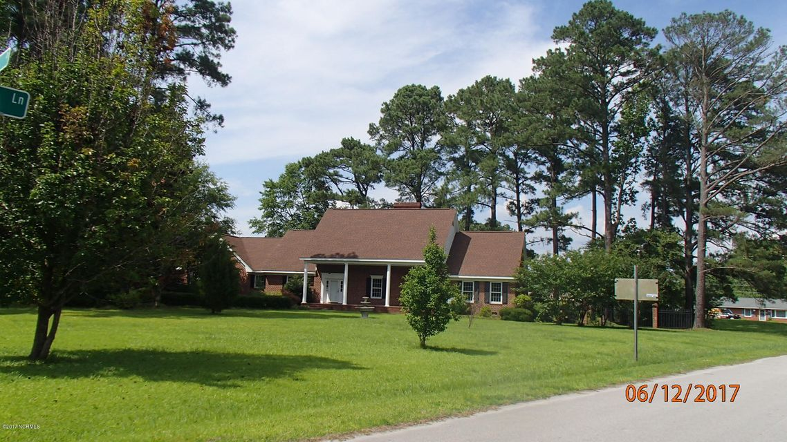221 Country Club Drive, Jacksonville, NC 28546