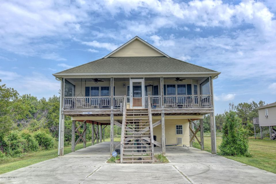 226 Waterway Drive, Sneads Ferry, NC 28460