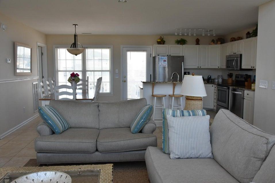Rhoda McMillan Real Estate - http://cdn.resize.sparkplatform.com/ncr/1024x768/true/20170616222113779840000000-o.jpg