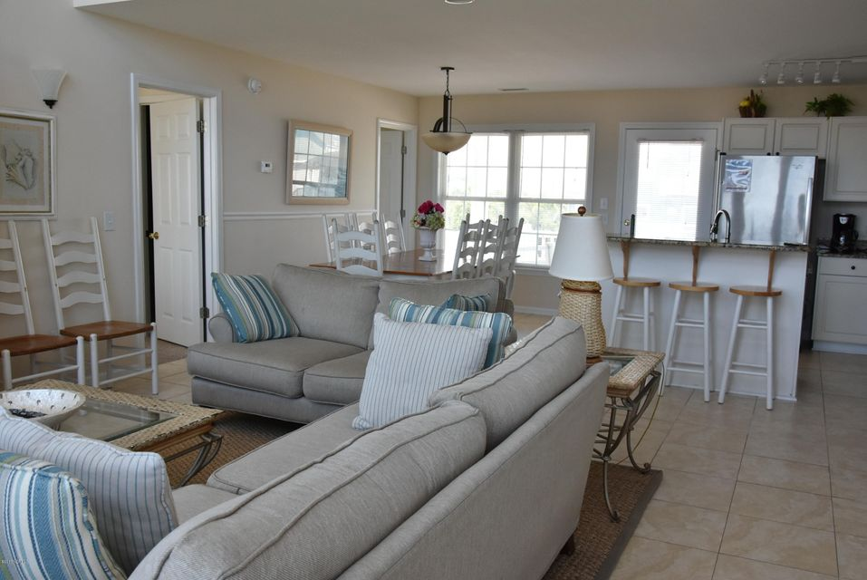 Rhoda McMillan Real Estate - http://cdn.resize.sparkplatform.com/ncr/1024x768/true/20170616222121781570000000-o.jpg