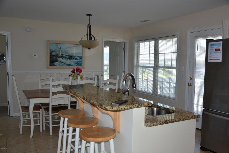 Rhoda McMillan Real Estate - http://cdn.resize.sparkplatform.com/ncr/1024x768/true/20170616222129190934000000-o.jpg