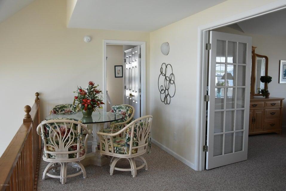 Rhoda McMillan Real Estate - http://cdn.resize.sparkplatform.com/ncr/1024x768/true/20170616222237893139000000-o.jpg