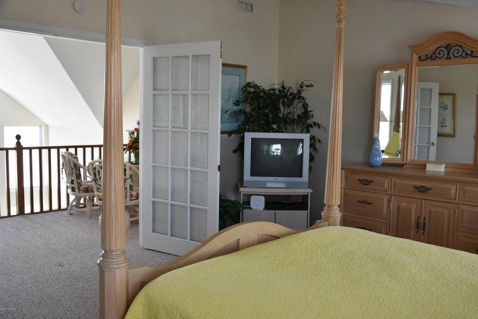 Rhoda McMillan Real Estate - http://cdn.resize.sparkplatform.com/ncr/1024x768/true/20170616222337970463000000-o.jpg