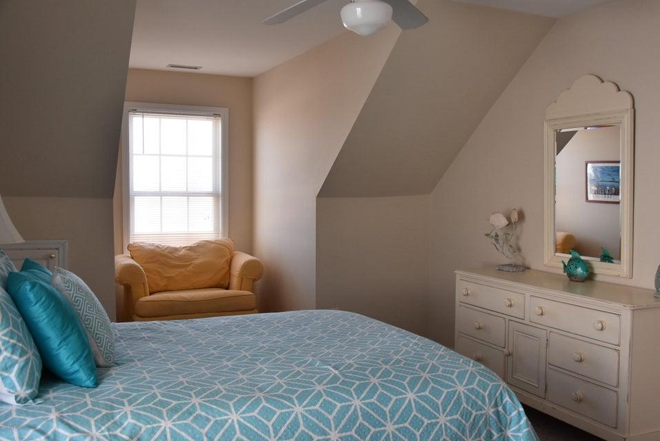 Rhoda McMillan Real Estate - http://cdn.resize.sparkplatform.com/ncr/1024x768/true/20170616222413598896000000-o.jpg