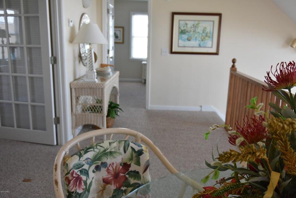 Rhoda McMillan Real Estate - http://cdn.resize.sparkplatform.com/ncr/1024x768/true/20170616222431050801000000-o.jpg