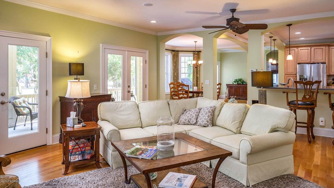 Oak Island Estates Real Estate - http://cdn.resize.sparkplatform.com/ncr/1024x768/true/20170617173114881073000000-o.jpg