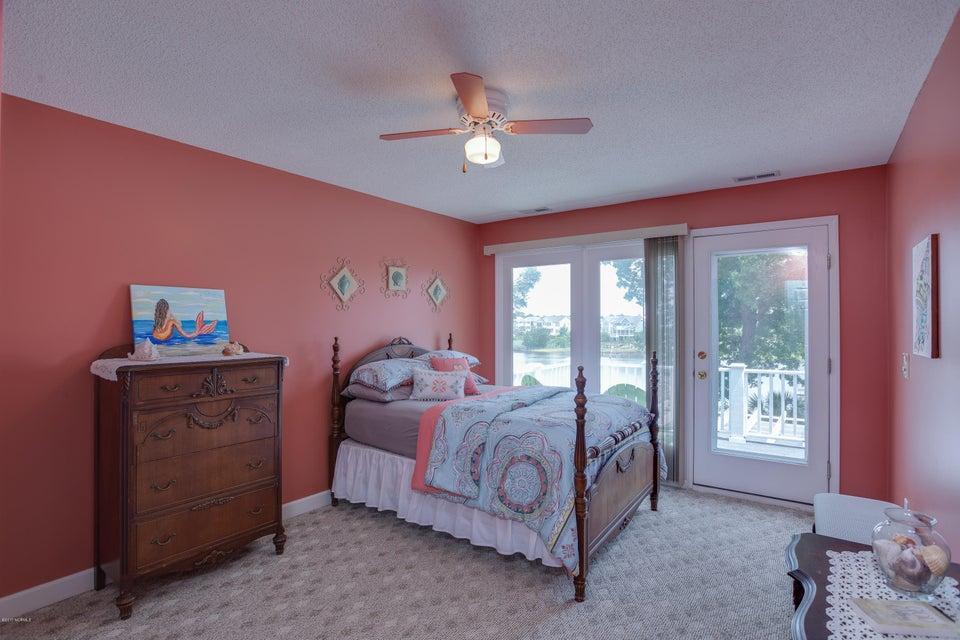 Tranquil Harbor Real Estate - http://cdn.resize.sparkplatform.com/ncr/1024x768/true/20170617223237703152000000-o.jpg