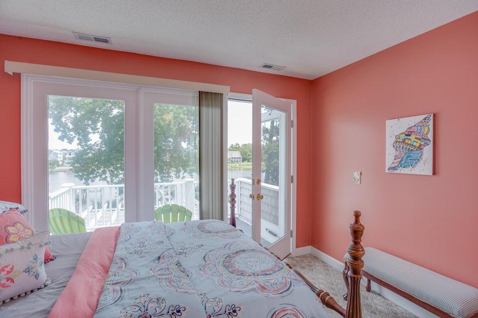 Tranquil Harbor Real Estate - http://cdn.resize.sparkplatform.com/ncr/1024x768/true/20170617223250553034000000-o.jpg