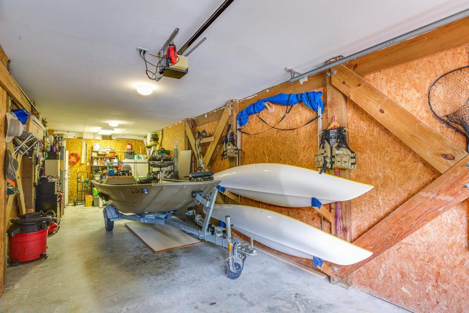 Tranquil Harbor Real Estate - http://cdn.resize.sparkplatform.com/ncr/1024x768/true/20170617223423238988000000-o.jpg