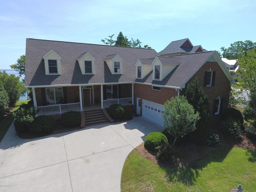 933 Stately Pines Road, New Bern, NC 28560