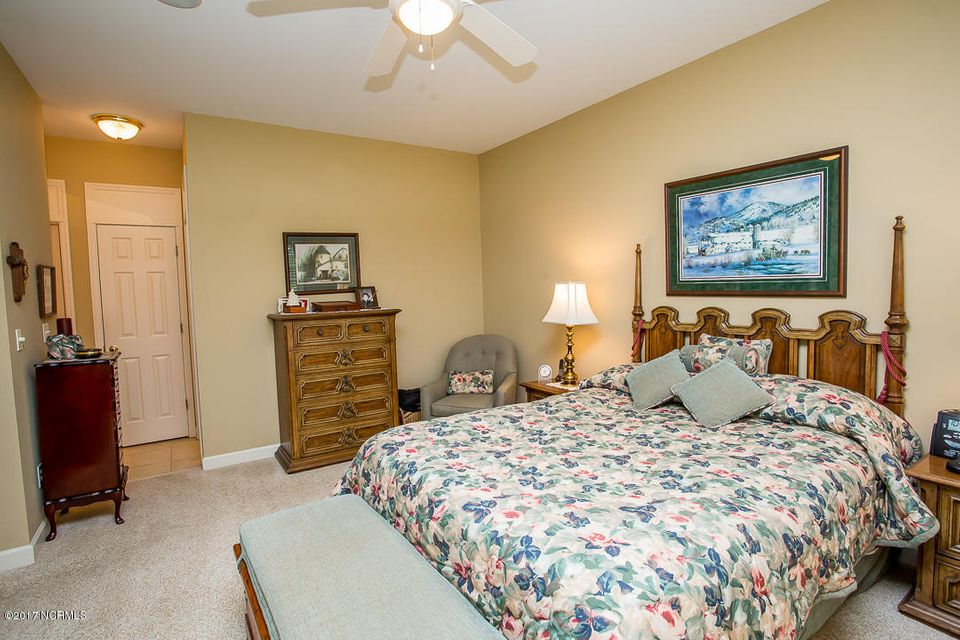 Ocean Ridge Real Estate - http://cdn.resize.sparkplatform.com/ncr/1024x768/true/20170623171218908248000000-o.jpg