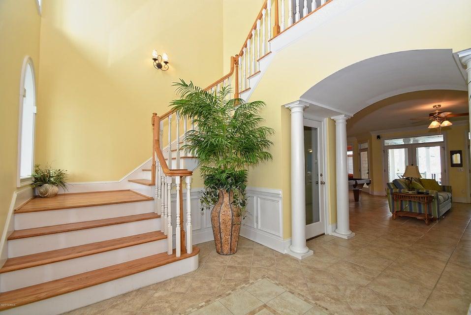 West Ocean Palms Real Estate - http://cdn.resize.sparkplatform.com/ncr/1024x768/true/20170623221657548319000000-o.jpg