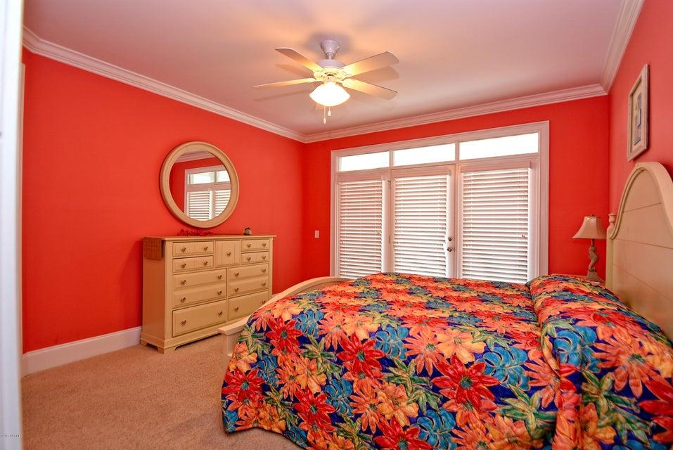 West Ocean Palms Real Estate - http://cdn.resize.sparkplatform.com/ncr/1024x768/true/20170623222149900628000000-o.jpg